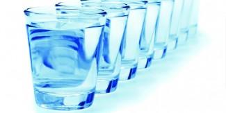 کیا زیادہ پانی پینا سردیوں میں بھی ضروری ہے؟