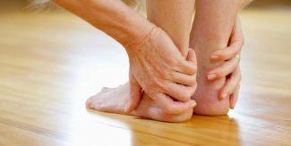 ایڑھیوں میں درد کی وجوہات اور علامات