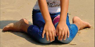 بچوں کا بیٹھنے کا غلط طریقہ اور اس کے نقصانات