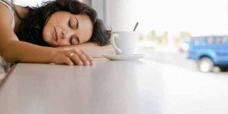 نیند زیادہ آنے کی وجوہات اور ایکٹو رہنے کے ٹوٹکے