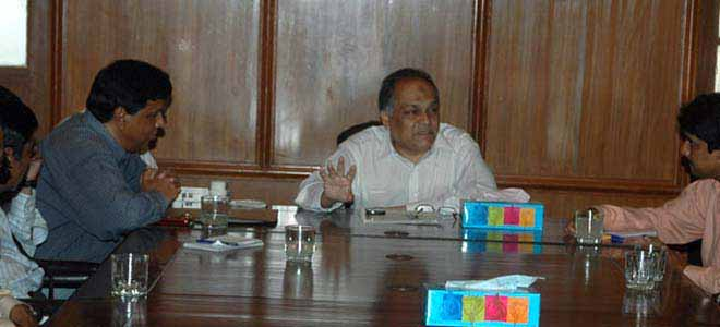 Commissioner Of Karachi Dissatisfied With Slow Development