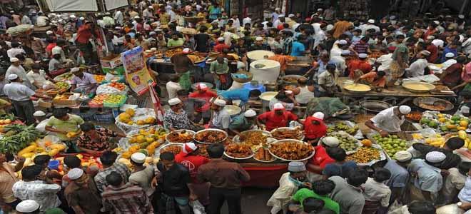 chief-secretary-of-punjab-organizes-surprise-visit-to-ramadan-bazaar[1]