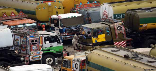 smuggled-oil-from-iran-seized-by-gaddani-customs-and-fc