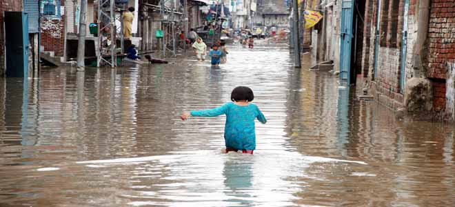increase-in-incidence-of-diseases-after-rainfall-gujranwala[1]