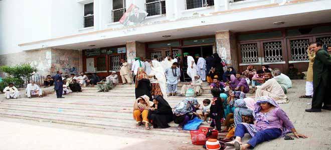karachi-self-declared-emergency-at-jinnah-hospital[1]