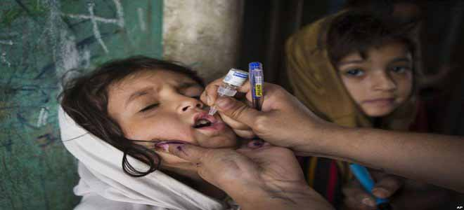 anti-polio-vaccination-campaign-being-held-in-balochistan[1]