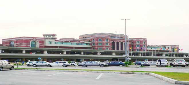 lahore-travelers-from-ebola-prone-region-taken-for-medical-assessment[1]