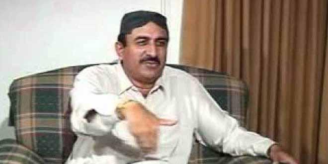 hala-muslim-league-n-provincial-president-ismail-rahu-met-shah-bhattis-enthroned-person[1]