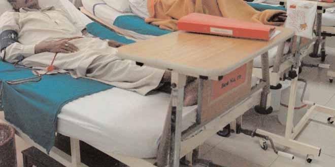 peshawar-kpk-government-hospitals-to-be-privatized[1]