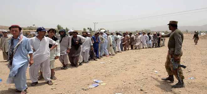 pakistan-army-sends-aid-to-idps
