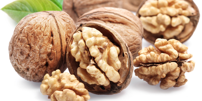 Walnuts can help lower cholesterol levels