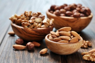 Almonds-walnuts-and-hazelnuts