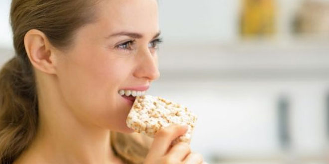 Listening-to-Yourself-Chew-Could-Help-You-Eat-Less