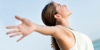 18 Natural Ways to lighten Dark Underarms