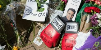 Boxing legend Ali welcomed home in Louisville