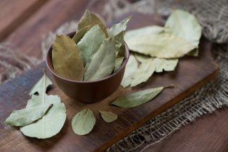 Treats Diabetes with Bay Leaves
