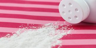 10 Brilliant Everyday Uses of Talcum Powder