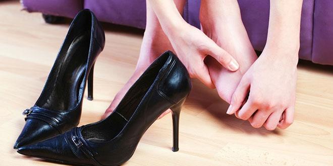 feet hurt reasons