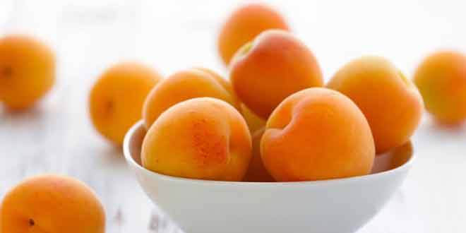 6 Reasons to Eat Apricots