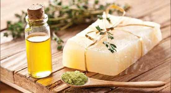 Tea Tree Oil for Treats Acne