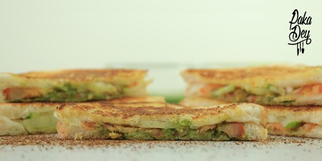 Hari Chatni and Vegetable Sandwich