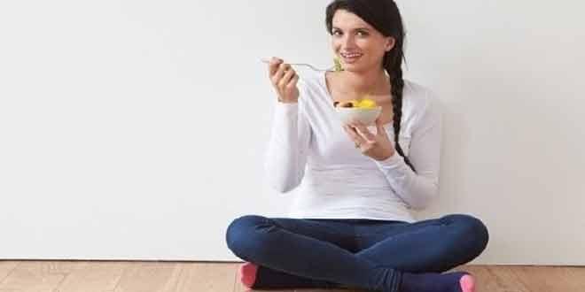 Amazing Benefits of Sitting on the Floor to Eat