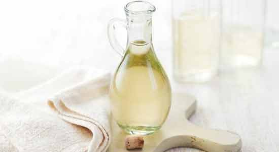 White Vinegar to Remove Corns on Your Feet