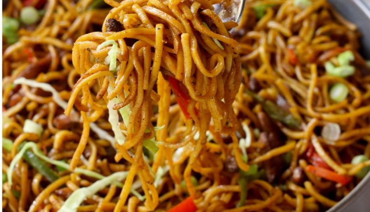 Pakistani Style Chicken Chow Mein Recipe - HTV