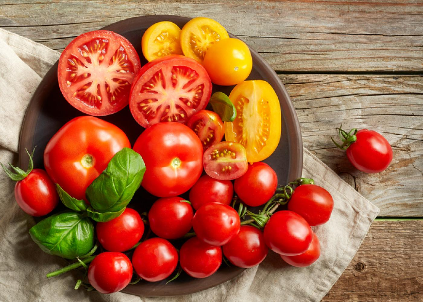 eat tomatoes for good skin